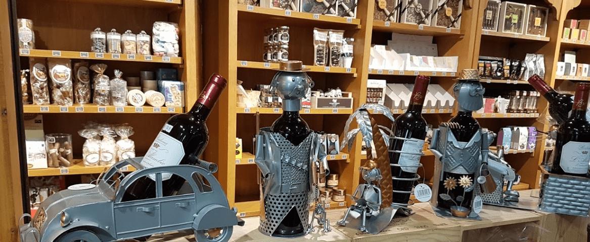 L'Alambic vue d'intérieur portes vin carafe